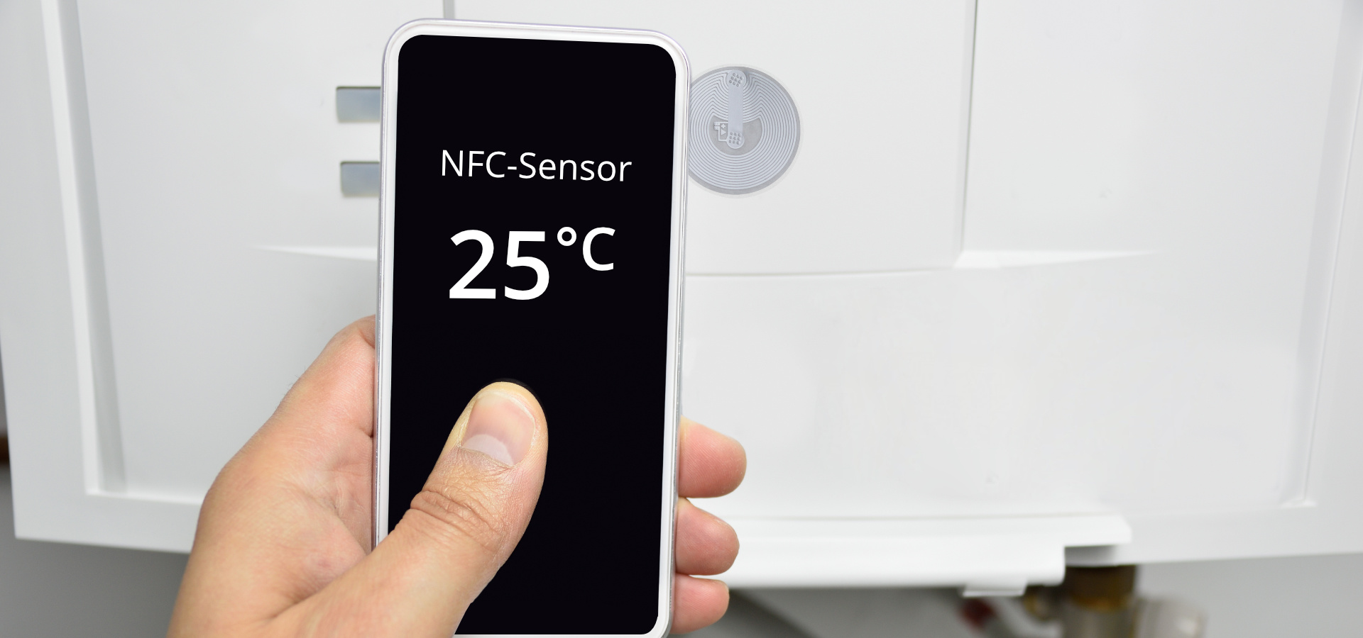 NFC temperature sensor shows 25 degrees Celsius
